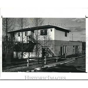 1988 Press Photo 9303 Brecksville Rd. Brecksville Mertroparks rental houses