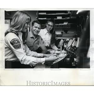 1971 Press Photo Georgia Davis,Cpl Bobby Richardson,Mary Williams of Explorers