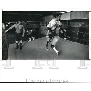 1991 Press Photo Bill Baker and Ron Cumberledge during the wrestling drill