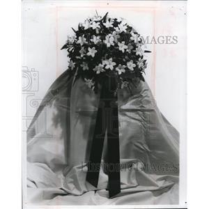 1969 Press Photo Wedding Bouquet Flowers. - cva83077