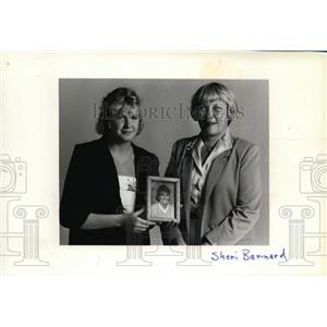 1987 Press Photo Mayor Sheri Barnard and Sabrina James - spa01194