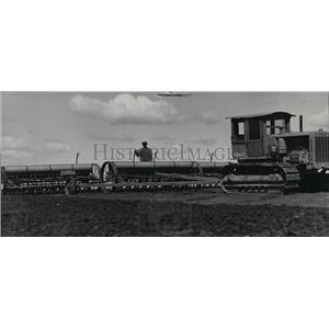 1938 Press Photo Harvest Machinery - spa02391