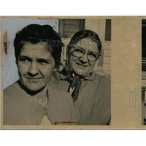 1962 Press Photo Mrs Tony Bill & Mrs William Bigenko in Cleveland Ohio
