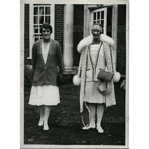 1930 Press Photo Mrs Lambert Chambers, Evelyn Colyer at tennis in Wilts