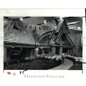 1991 Press Photo Home and Flower Show Expo, Trout Home - cvb03580