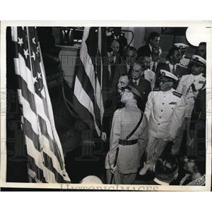 1942 Press Photo Liberty Bell Mayor Bernard Samuel & Rear Adm AE Watson