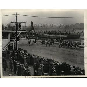 1932 Press Photo Adolph Pons' swivel wins futurity at Pimlico racetrack