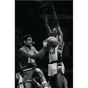 1982 Press Photo Mickey Johnson and Maurice Cheeks - mjs02583