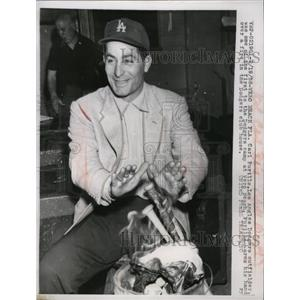 1958 Press Photo Carl Furillo, one of the early arrivals at the training camp