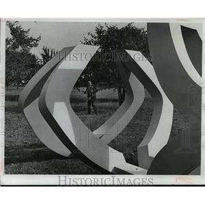 1978 Press Photo Trio at the Bradley Family Foundation Sculpture Garden