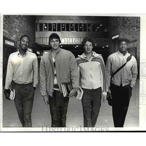 1982 Press Photo Dave Colbert, Dave Youdath, Jeff Lunt, Billy Evans, loval grads