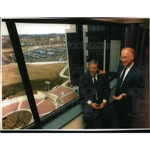 1994 Press Photo Ronald A. Weyers and Wallace Hilliard  - mja04428