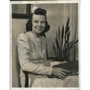 1941 Press Photo Eileen McGee, now Mrs. James J. Casper - mja18427