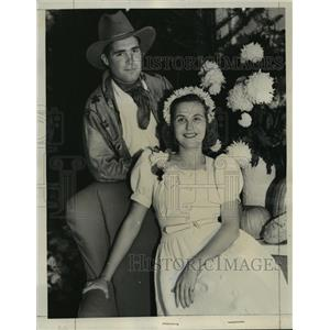 1938 Press Photo Mr. and Mrs. David Allerton Hyde  - mja15146