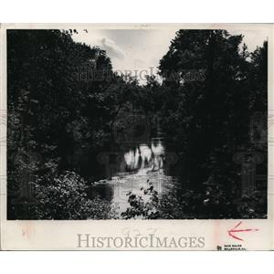 1951 Press Photo The Oconto RIver near Menominee Indian Reservation. - mja37287