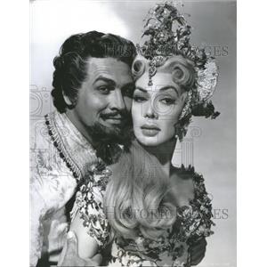 1956 Press Photo Dolores Gray Howard Keel Film Actor - RRR73859