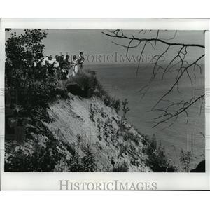 1978 Press Photo Conservation Group Accessing Lake Erosion, Lake Michigan
