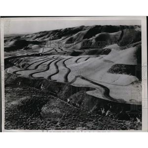 1935 Press Photo Terracing Hill side with a grand tractor to Check Soil erosion