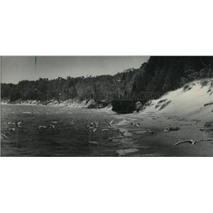 1985 Press Photo Whitefish Dunes State Park coastline in Door County - mja42159