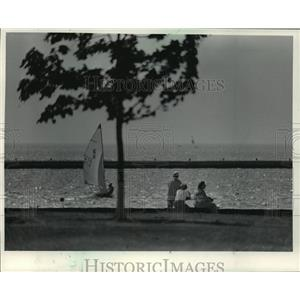 1965 Press Photo McKinley Landfill at Milwaukee Lakefront, A day out in the lake