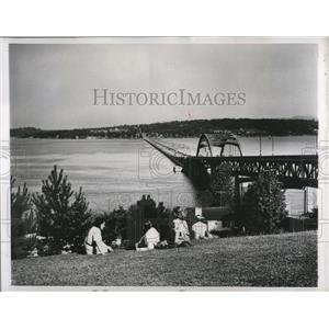 1959 Press Photo World's largest permanent floating bridge resides in Seattle