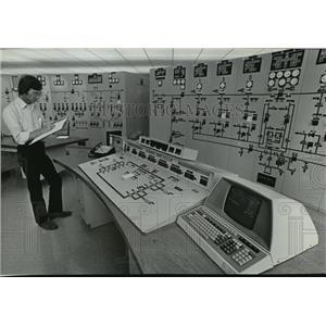 1982 Press Photo Celilo Falls converter station in The Dalles, Oregon
