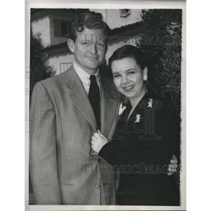 1947 Press Photo actress Jane Withers and her fiance, producer William Moss
