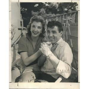 1958 Press Photo Jimmie Rodgers and Colleen in their Hollywood Garden Home