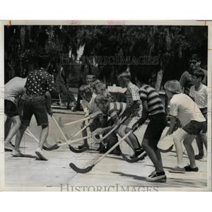 1967 Press Photo Mount Vernon elementary school glance - RRX66679