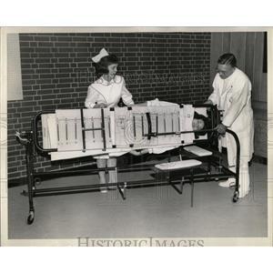 1916 Press Photo Foster Turning Frame - RRW68613