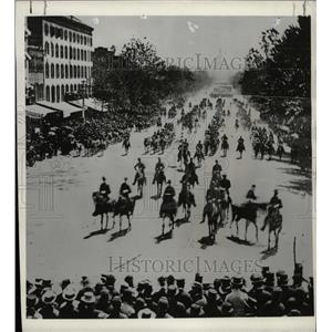 1961 Press Photo Victorious union army marching - RRX73997