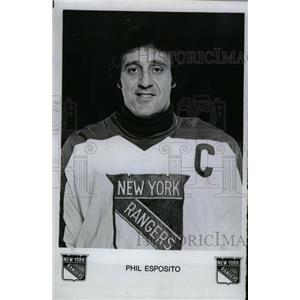 1977 Press Photo Phil Esposito New York Rangers Hockey - RRW73729