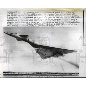 1962 Press Photo Plastic model of B-70 supersonic bomber kept from sale