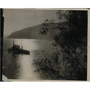 1925 Press Photo New Cruiser Visits in Mediterranean of the Hills of France