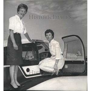 1964 Press Photo Mrs Harry Harper & Mrs Shirl P. Shinn, Powder Puff Derby fliers