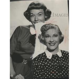 1954 Press Photo Motion picture star Joan Davis with daughter Beverly Wills