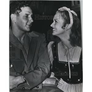 1941 Press Photo Actor Palmer Beaudette courting actress Cobina Wright Jr