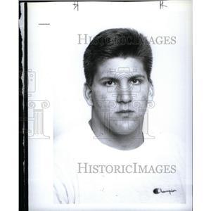 1900 Press Photo Scott Shaw Utica Ford Football Player - RRX40657