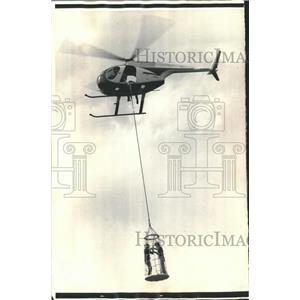 1975 Press Photo Helicopter rescue net capable of accommodating four people.