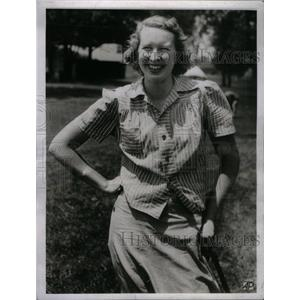 1941 Press Photo Golfer Marjorie Row Takes Honors - RRX50049
