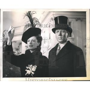 1944 Press Photo Alexander Knox & Geraldine Fitzgerald as Mr/Mrs. Woodrow Wilson