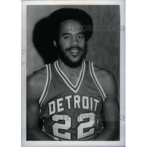 Press Phoot Henry Dickerson Detroit Pistons - RRX40015