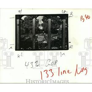 1988 Press Photo Rene Beauregard House - Fountain and Garden, Chalmette