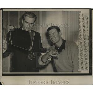 1951 Press Photo Boston-Walt Dropo rejoins Red Sox here with Dr. Ralph Mccarthy.