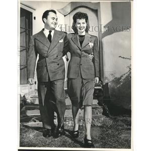 1941 Press Photo dialogue director Will Price & fiancee, actress Maureen O'Hara