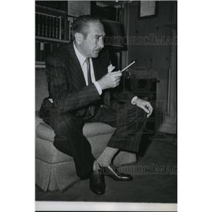 1947 Press Photo Adolphe Menjou, actor. - spp52364