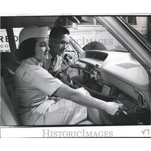 1964 Press Photo American Red Cross, Stanley Hunter and Mrs. Alfred Beerman