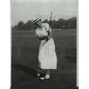 1933 Press Photo Enid Wilson vs Charrlotte Glutting at USGA golf in Chicago