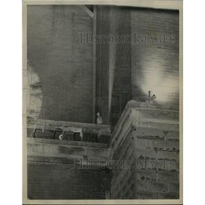 1961 Press Photo Bag lowered from church window, Birmingham Freedom Riders