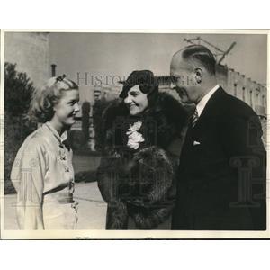 1935 Press Photo FHA director James Moffett & wife & actress Anita Louise